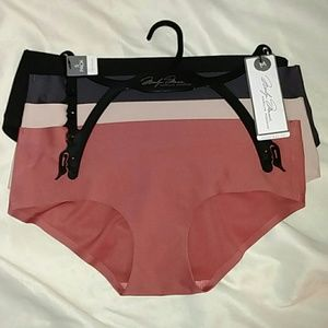 Marilyn Monroe Medium No Show Bikini Panties